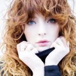 URBAN GIRL, pielęgnuje włosy, niedbale wystylizowanymi, lokach, falach, Zuzanna Sumirska, abcfryzjera, wsuwki, spinki