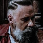 Holy Tiger, męskie fryzury, zakład fryzjerski, brzytwa, strzyżenia, pomada, stylizacja