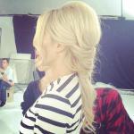 DODA w teledysku RIOTKI - fryzury od Kajetana