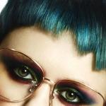 Shogo, retrotic, projektowanie fryzur, sztuczna inteligencja, kolory uzupełniające, zielone, suzi, FRK.03